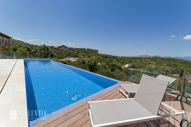 Modern Villa To Rent In Bonaire Alcudia ...