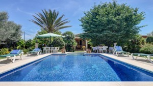 Luxury villa to rent in Pollensa with large pool, private